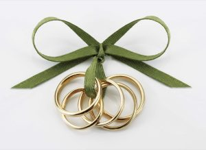 Five-Gold-Rings-14k-Yellow-Gold-Christmas-20091
